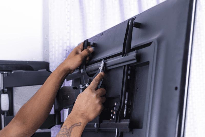 התקנה בטיחותית לטלוויזיות לעשות עם מקצוענים