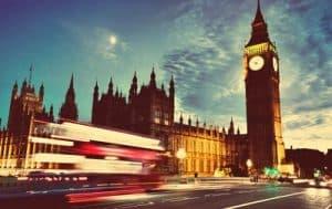 """ביטוח לחופשה בבריטניה יכול להיות מתנה משמיים אם אתם נוסעים לחו""""ל"""
