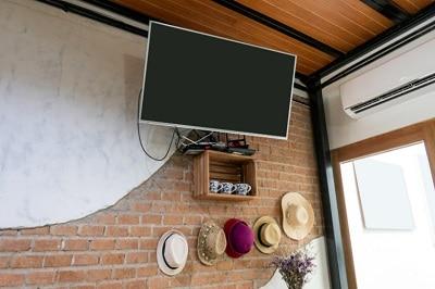 תליית טלוויזיה בבית - טיפים מקצועיים